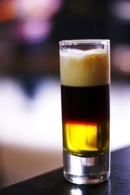 HAPPY-HOUR---Cocktails-og-drinker---Galliano-Hot-Shot