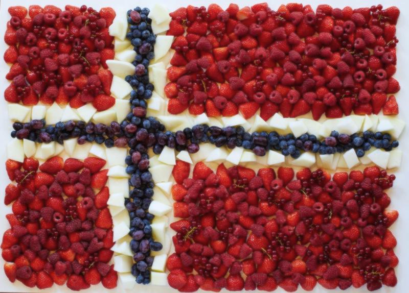 TIPS Det norske flagget i frukt og bær