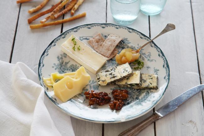 Hvor mye ost per persjon på ostefatet