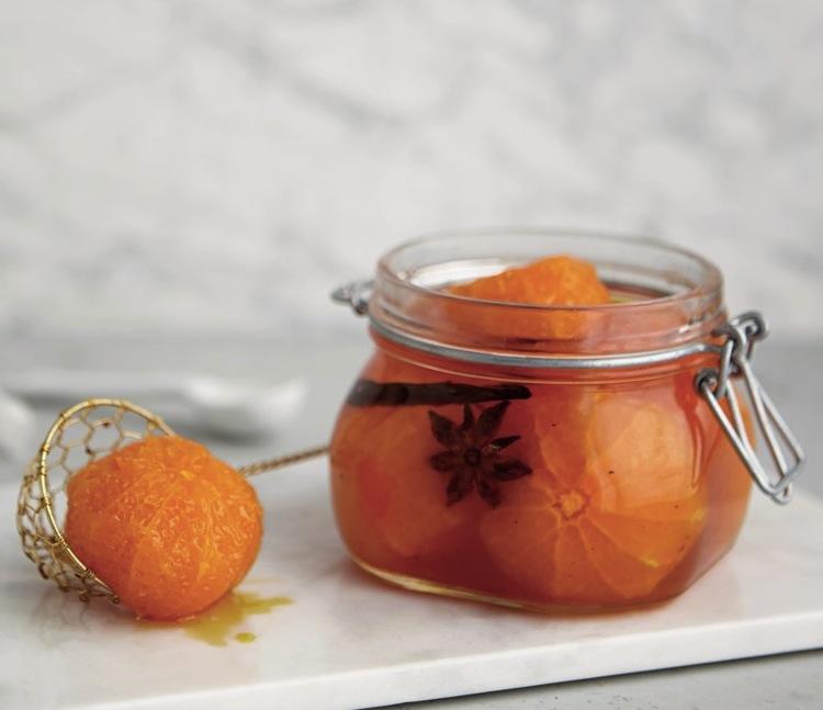 DESSERT Mandariner i vin med julens krydder