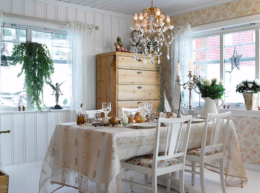 012 INTERIØRTIPS - Hjemme hos Bente - rustikk og romantisk jul ved Mjøsa