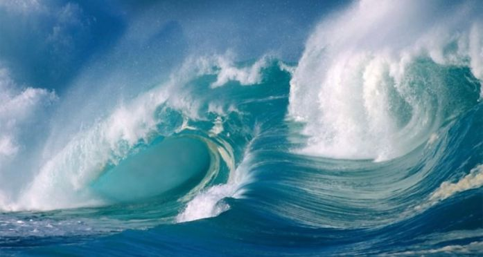 Las-olas-bramaban-un-canto-de-tempestad...