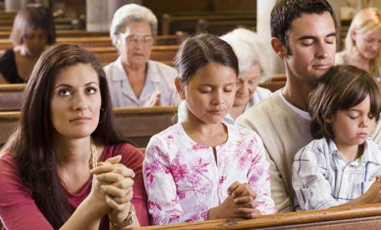 Photo of تنائج مفاجئة تنشرها دراسة علمية حديثة: الأشخاص الذين يذهبون بانتظام إلى الكنيسة يتمتّعون بصحة عقلية أفضل من غيرهم!