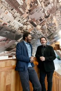 Baloji y Eliasson, con la obra de Baloji en el Centro Cultural del Bosque. ©Rolex/Bart Michiels