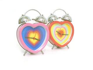 часы-сердечки