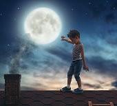 Малыш на крыше