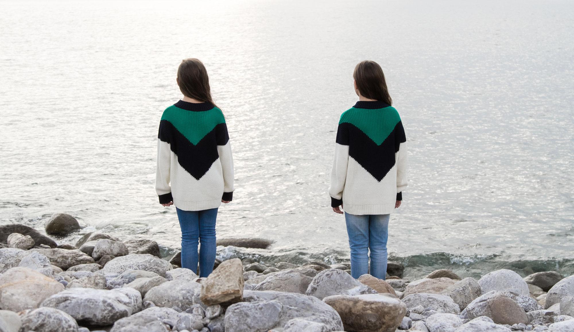 Twins portrait editorial by Maria Santos - Fotografía creativa en Ibiza