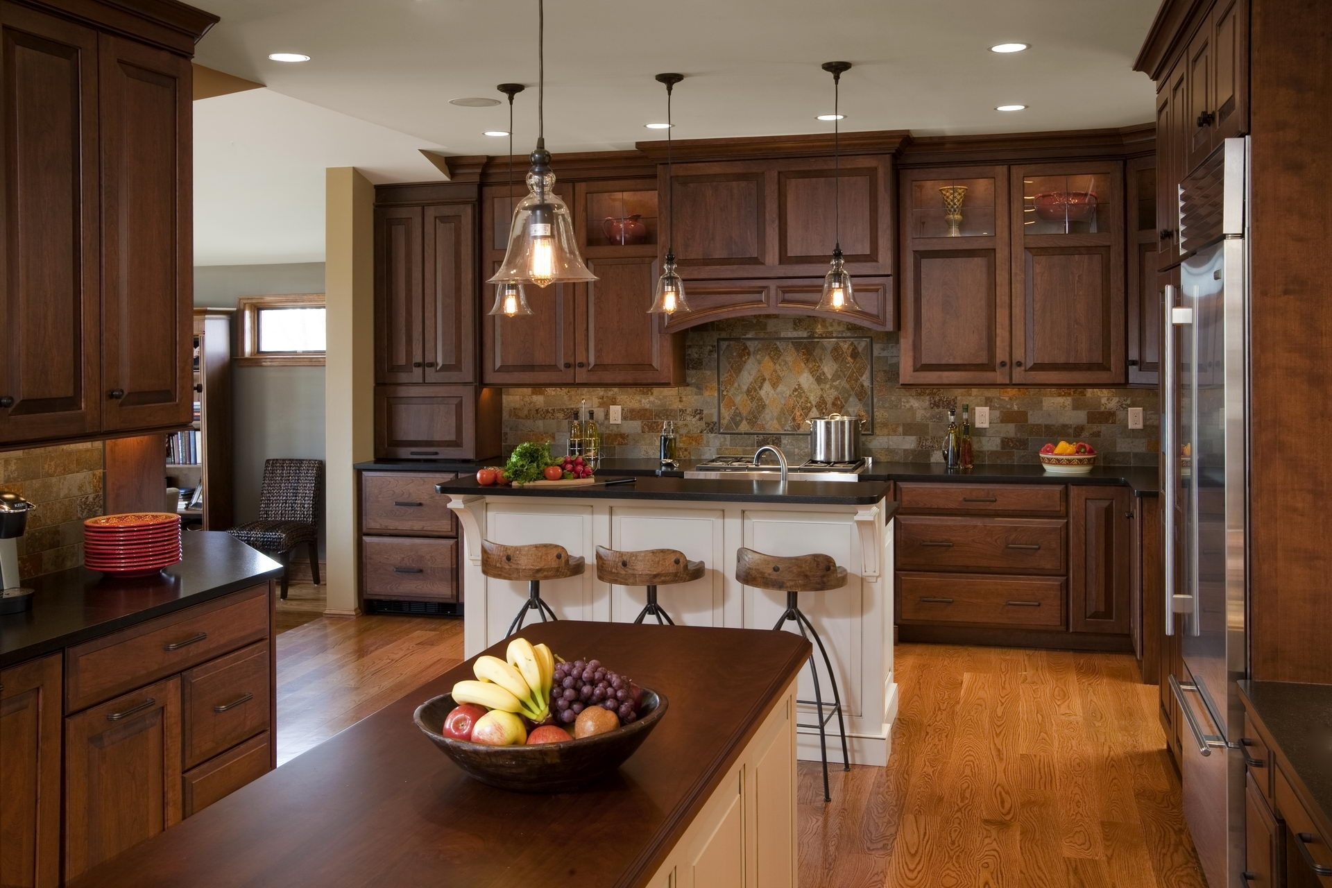 42 best kitchen design ideas with different styles and layouts pertaining to Traditional Kitchen Designs Ideas