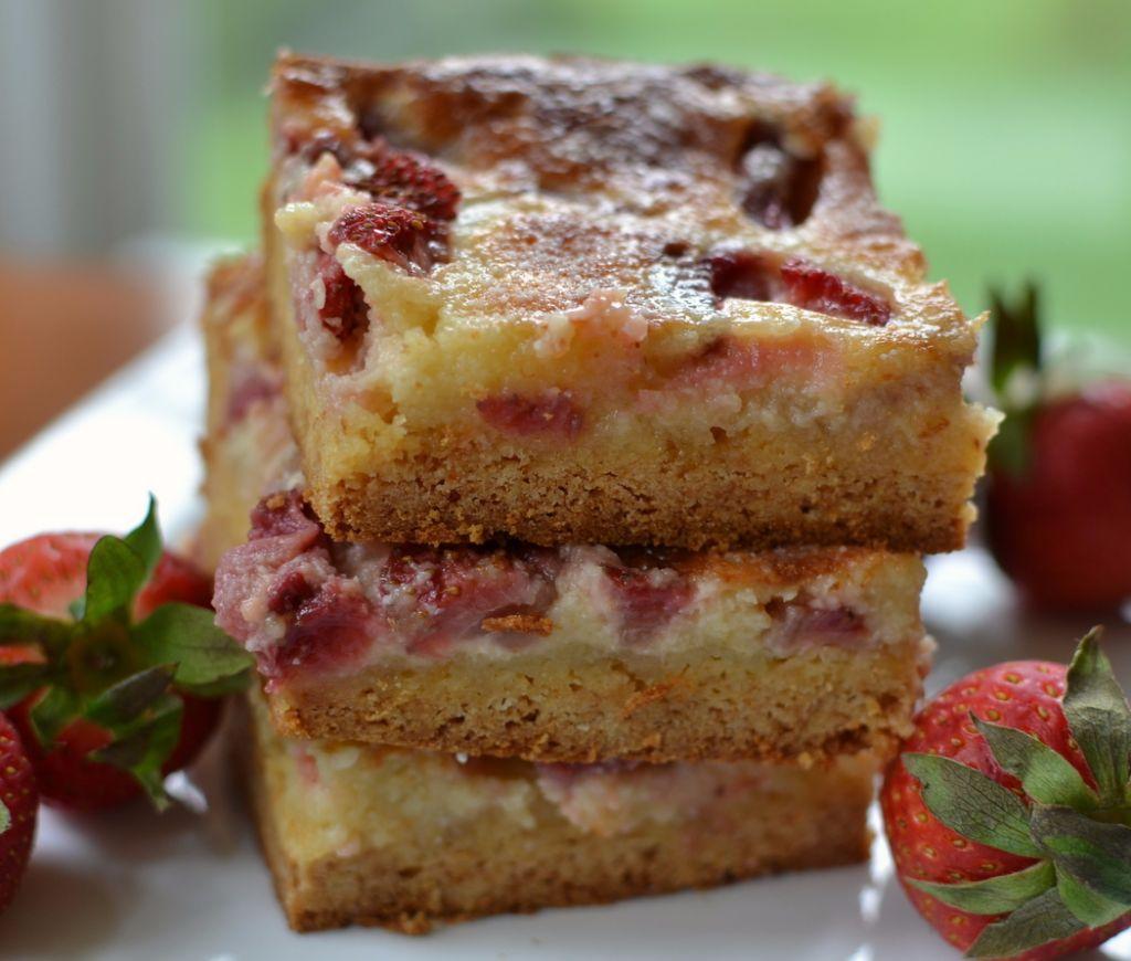 Strawberry-Gooey-Butter-4