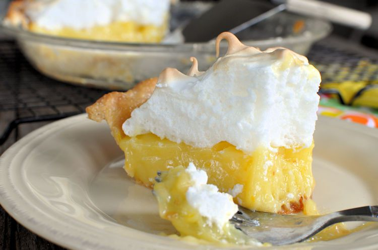 grandmas-lemon-merinue-pie-3