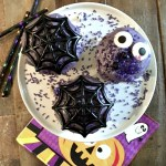 HALLOWEEN CUPCAKES WITH FLUFFY PURPLE FROSTING