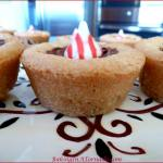 HOLIDAY CHOCOLATE MINT COOKIE CUPS