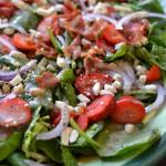 STRAWBERRY BACON SALAD WITH HONEY POPPY SEED DRESSING