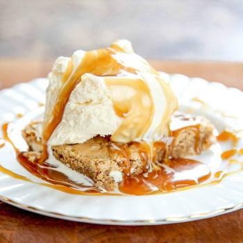 Copycat Maple Butter Applebee's Blondie Recipe