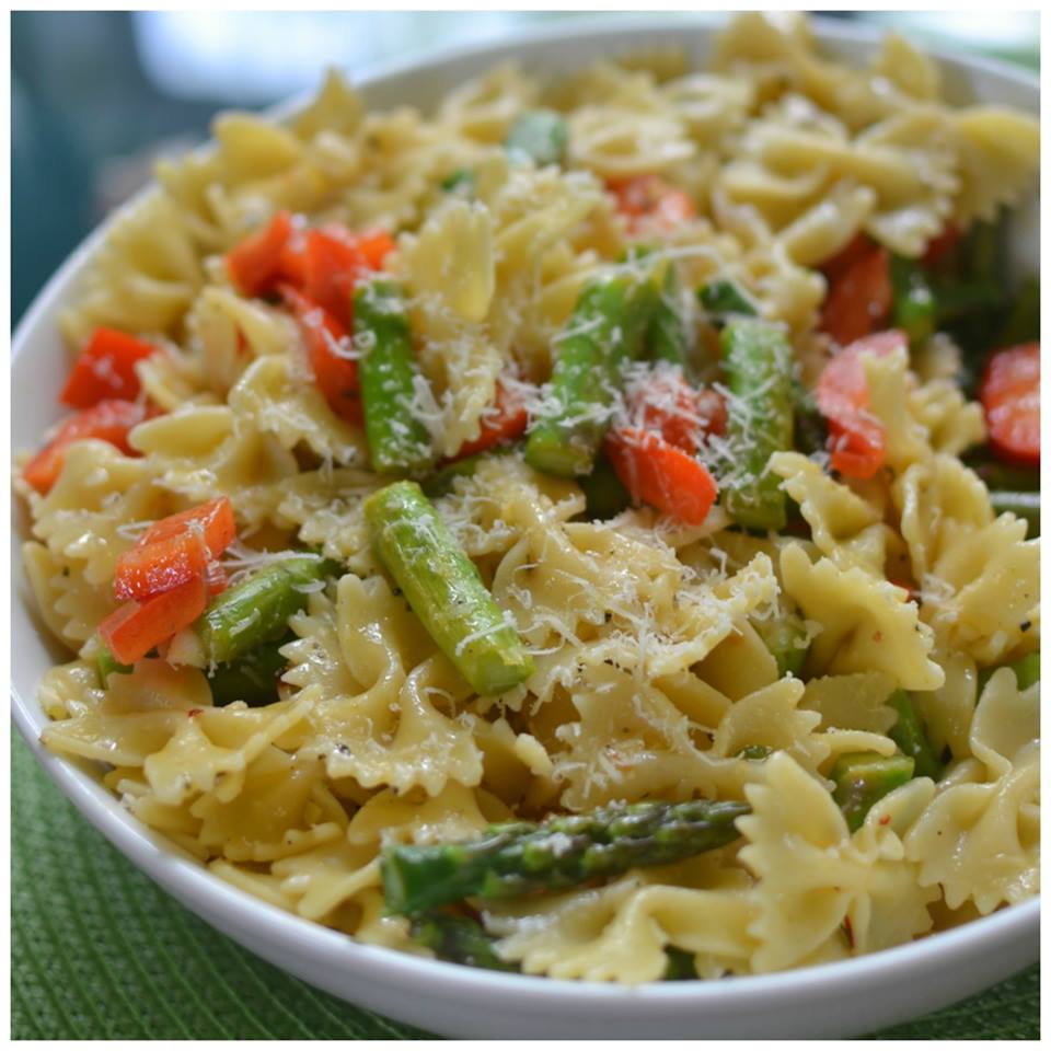 Red Pepper Asparagus Pasta with Lemon Vinaigrette - Maria ...
