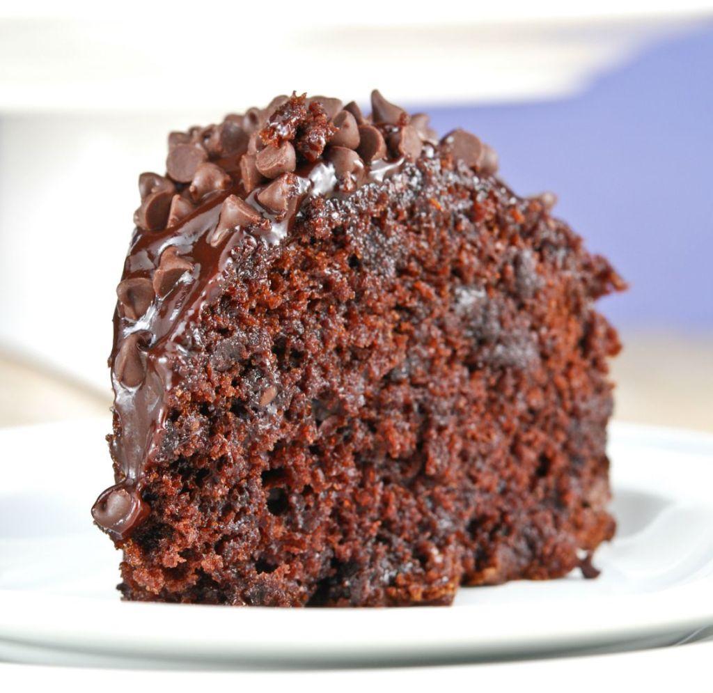 Chocolate Bundt Cake With Ganache Icing