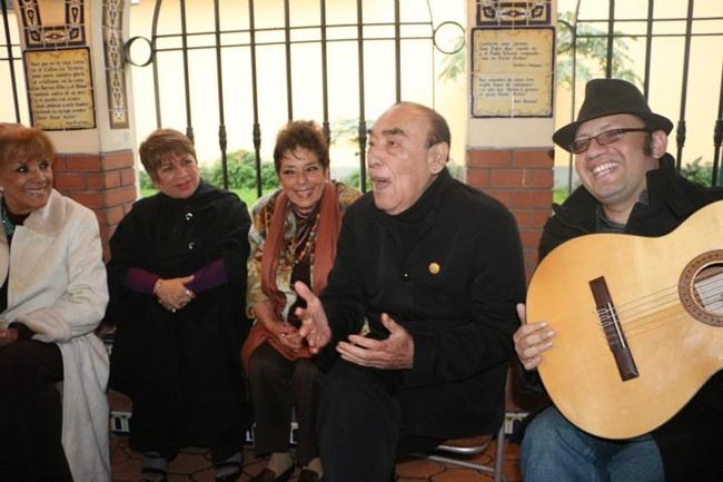 Edith, Maritza. Neda, Oscar y Renzo