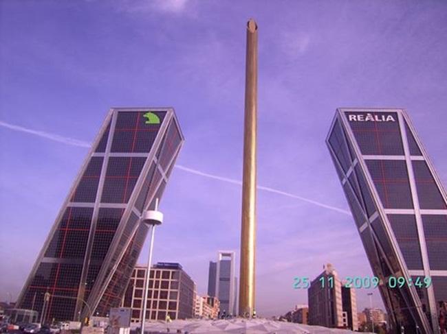 edificios-inclinados-4