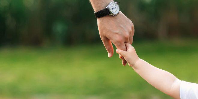 Tanggungjawab Ayah Mengajari Keluarga Ta'at Kepada Allah – Riyadush Shalihin