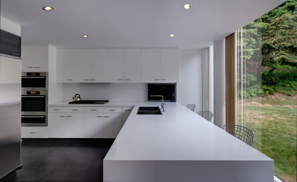 modern architecture kitchen Contemporary Kitchen Design: All White in the Kitchen