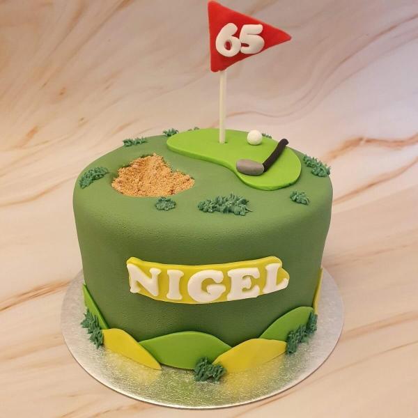 Golf birthday cake delivered Milton Keynes