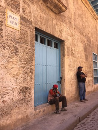 Two men next to Plaza Vieja
