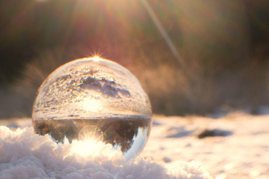 glas-bol-weerkaatsing