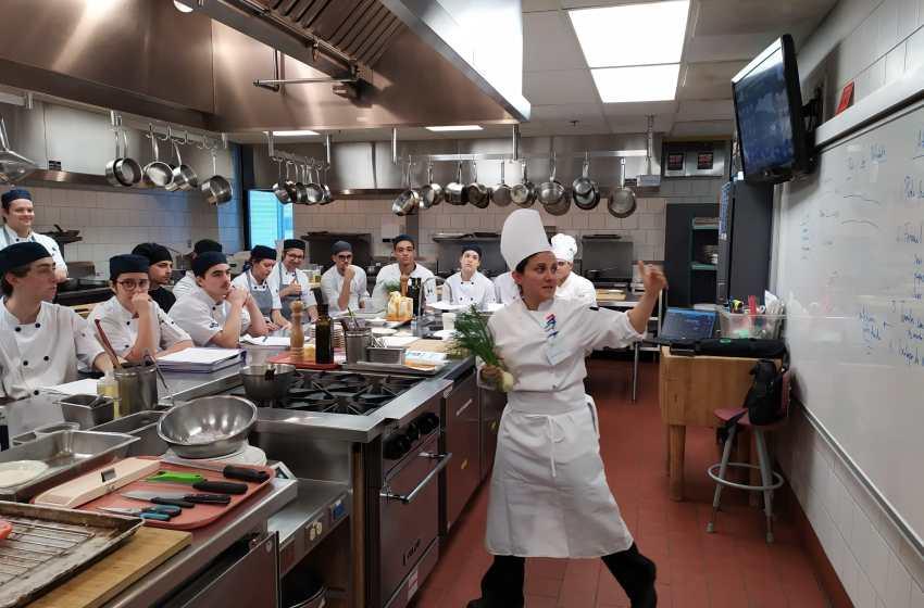 Studiano all'alberghiero per diventare chef e già promuovono la cucina italiana in Canada.