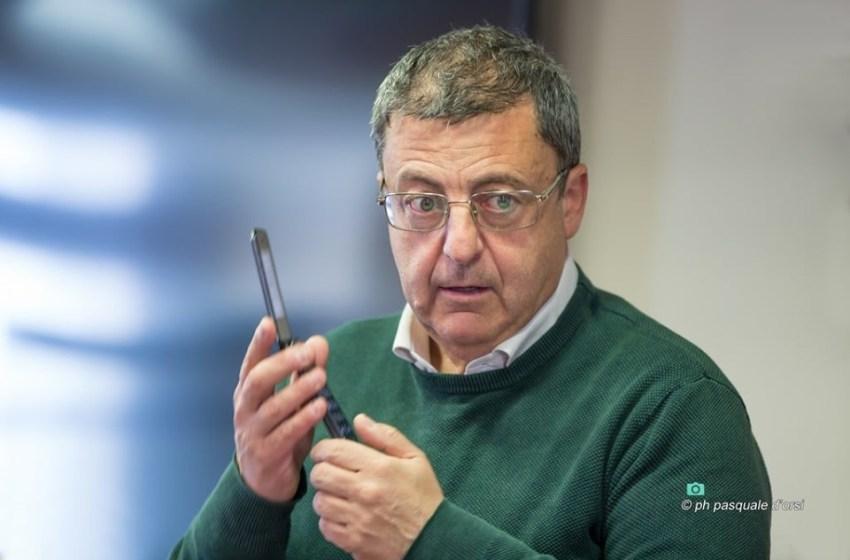 """Dimissioni e veleni su Felice Gaglione. Il sindaco: """"Caccia alle streghe"""""""