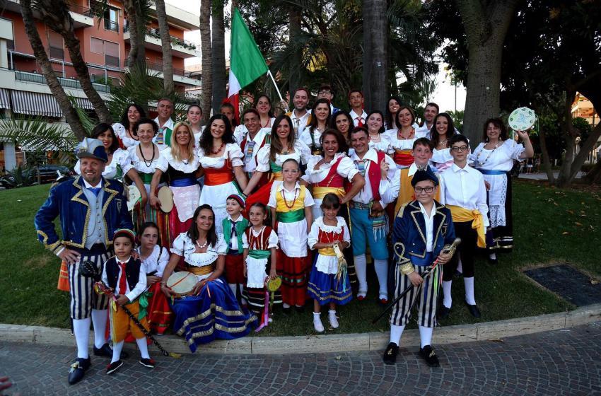 Folklore e tradizione: weekend di musica e canti popolari per le strade della città
