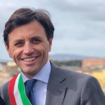 Ciro Buonajuto travolge e vince: confermato sindaco di Ercolano con un plebiscito di voti