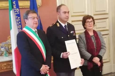 Il poliziotto Vincenzo Iavazzo diventa Cavaliere della Repubblica