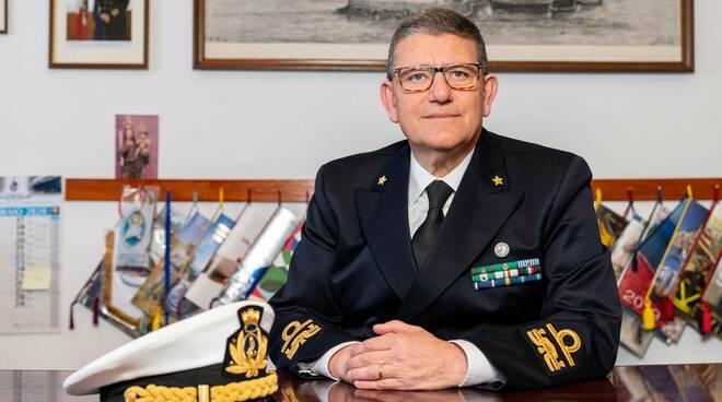 Diventa contrammiraglio l'ex comandante della Capitaneria di Torre del Greco