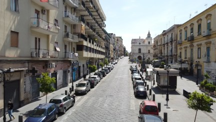rapina-piazza-luigi-palomba-torre-del-greco-mariella-romano-cronaca