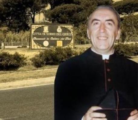 monsignor-francesco-sannino-torre-del-greco-mariella-romano-cronaca