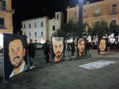 flash-mob-vittime-ponte-morandi-genova-torre-del-greco-mariella-romano-cronaca