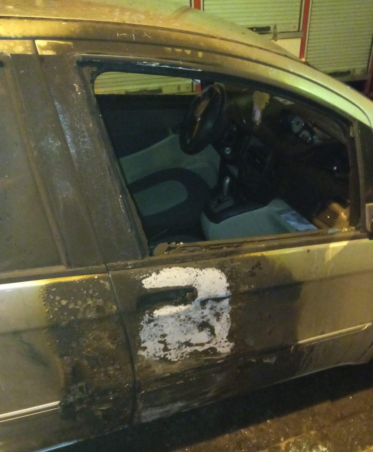"""Auto incendiata all'ex consigliera: """"Ricevo minacce da mesi, voglio protezione"""""""
