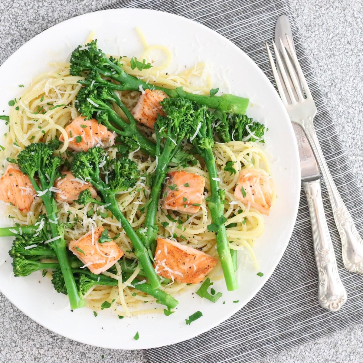 Spaghetti aglio olio met bimi en zalm