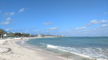 The East and North side of Grand Cayman are so much more unspoiled and quiet than the crowed 7 Mile beach