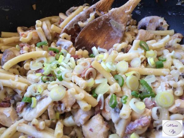Poêlée de pâtes au poulet et bacon