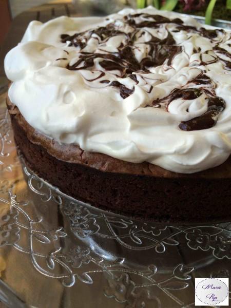 Gâteau fondant au chocolat à la crème