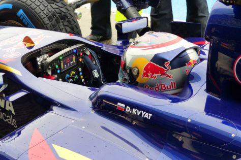 Daniil-Kvyat-Toro-Rosso-Formel-1-Jerez-Test-31-Januar-2014-fotoshowImage-768f5521-752258