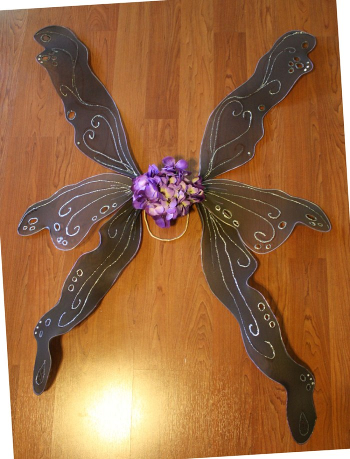 DIY adult fairy wings by Marie Spaulding on http://mariespaulding.wordpress.com