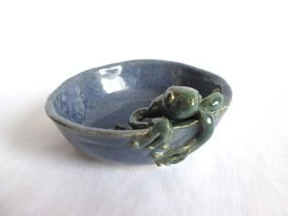 frog-dish