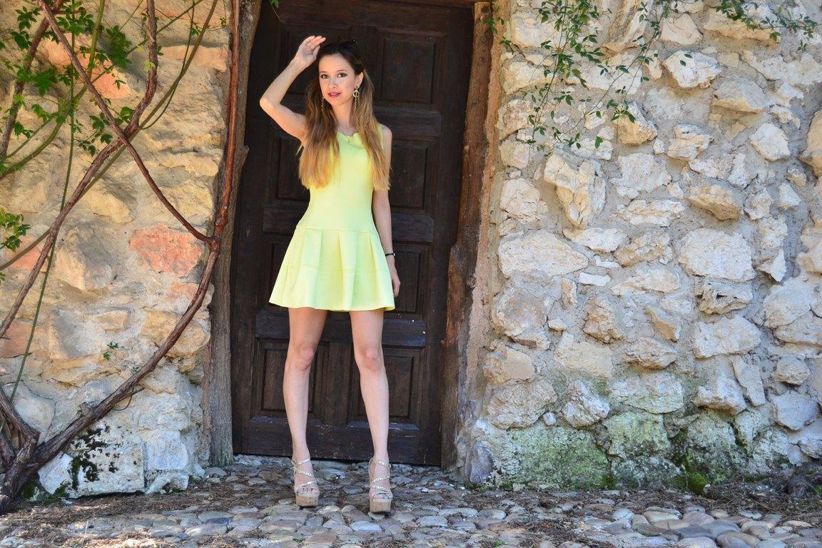 marikowskaya street style daniela vestido amarillo (7)