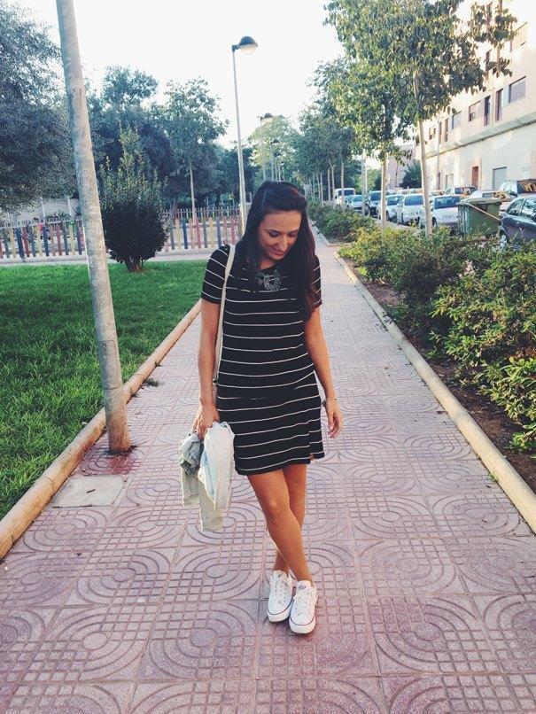 marikowskaya-street-style-anna-vestido-rayas-5