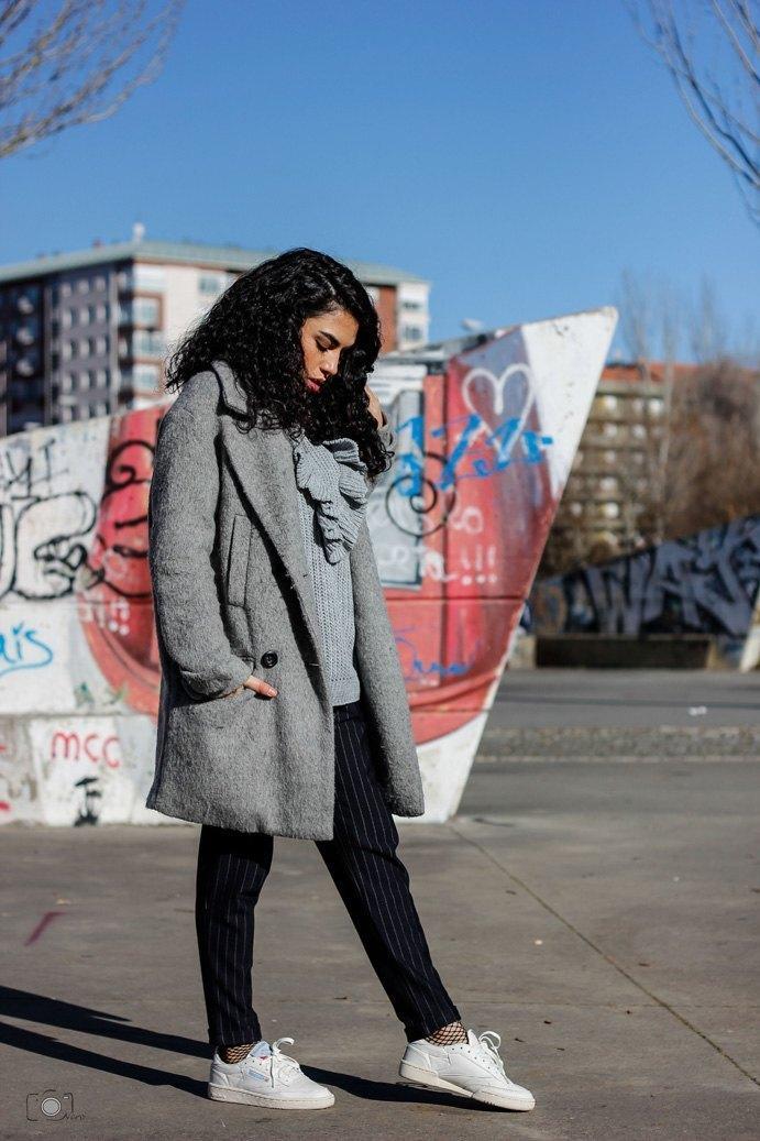 marikowskaya street style lu abrigo gris (6)