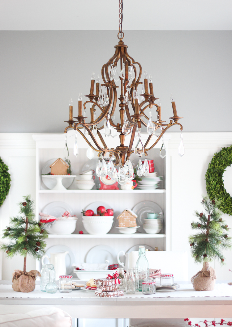christmas decorating for small spaces marilenstylescom - Christmas Decorations For Small Spaces