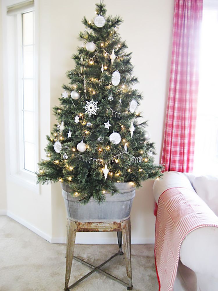 photo from wwwhappyathome blogspot hk - Christmas Decorations For Small Spaces