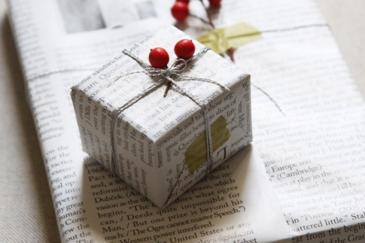 Pretty Gift Wrapping Ideas That Help Save the Earth